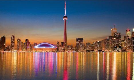 Canadian Stereotype Tourist Photos Skyline of Toronto