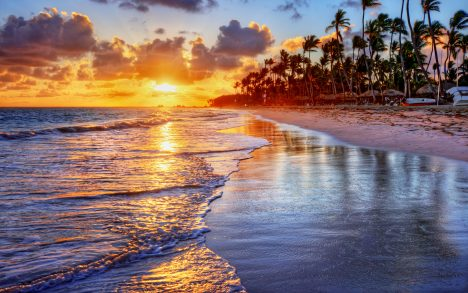 Mexicos Stereotype Tourist Photos Cancun Beach
