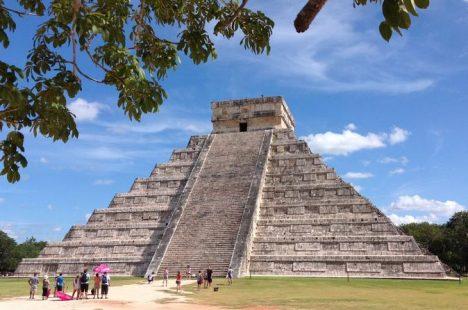 Mexico: Chichen Itza Pyramid