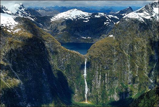 Top 10 Impressive Waterfalls Browne Falls in New Zealand.