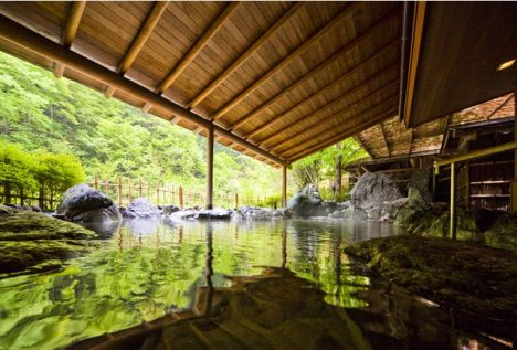 Top 5 worlds oldest hotels Nishiyama Onsen Keiunkan