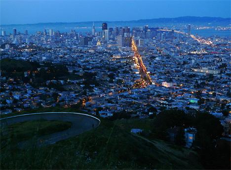 San Francisco vista point Twin Peaks. Photo by Chili.
